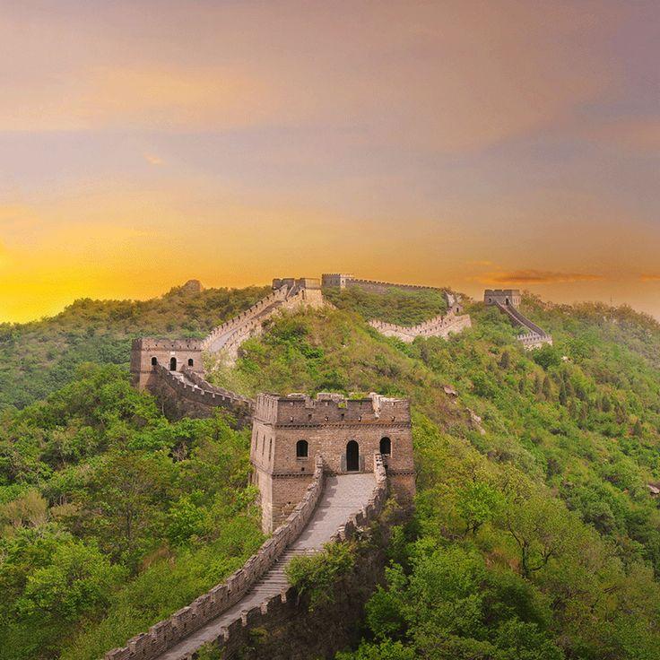 Estesa per più di 8000 km, la Grande Muraglia Cinese segnava l'inizio e la fine del Celeste Impero.