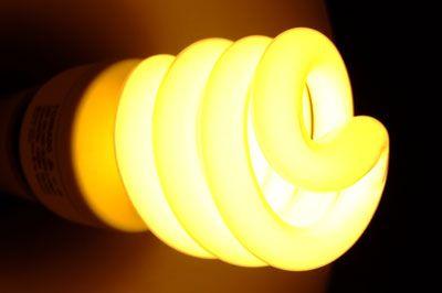 Kilka fajnych sposobów na zaoszczędzenie prądu. Naprawdę ciekawe