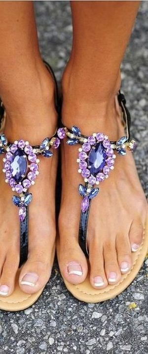 Cute beach style sandals.