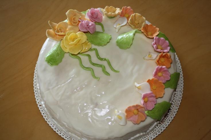 Floral Cake by Pat Zardi