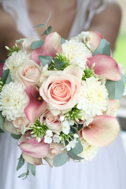 really love the elements in this bouquet, maybe a little less pink and more peach/coral