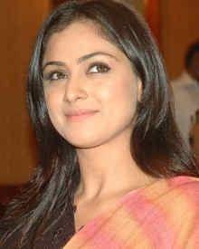 Simran Hot - NetTV4U  View more: http://www.nettv4u.com/celebrities-gallery/tamil/tamil-movie-actor-simran-hot-images  #simranhot #nettv4u #actress