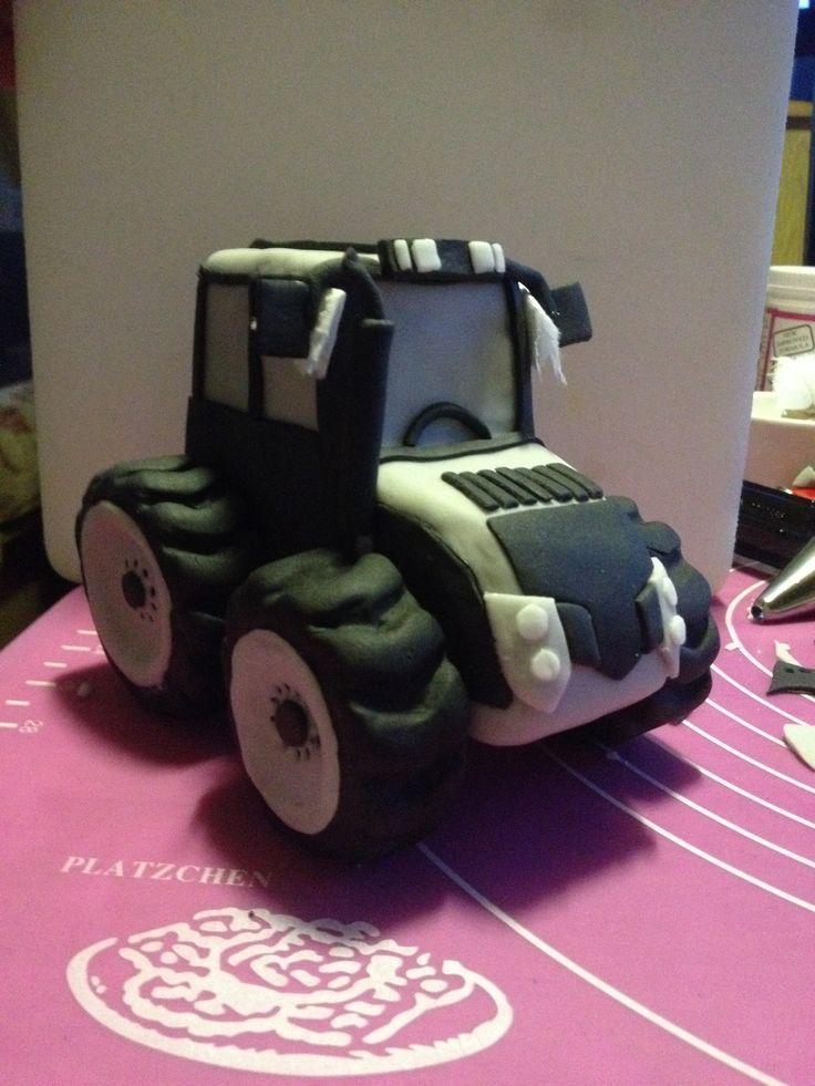Fondant tractor