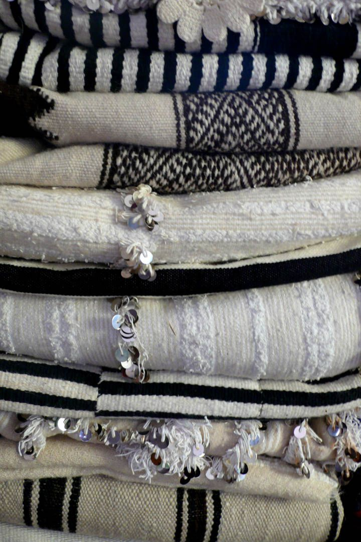 #MyMarrakesh wedding blankets: Moroccan Blankets, Patterns, Moroccan Rugs, Black And White, Moroccan Fabrics, Black White, Textiles, Linens, Moroccan Wedding Blankets