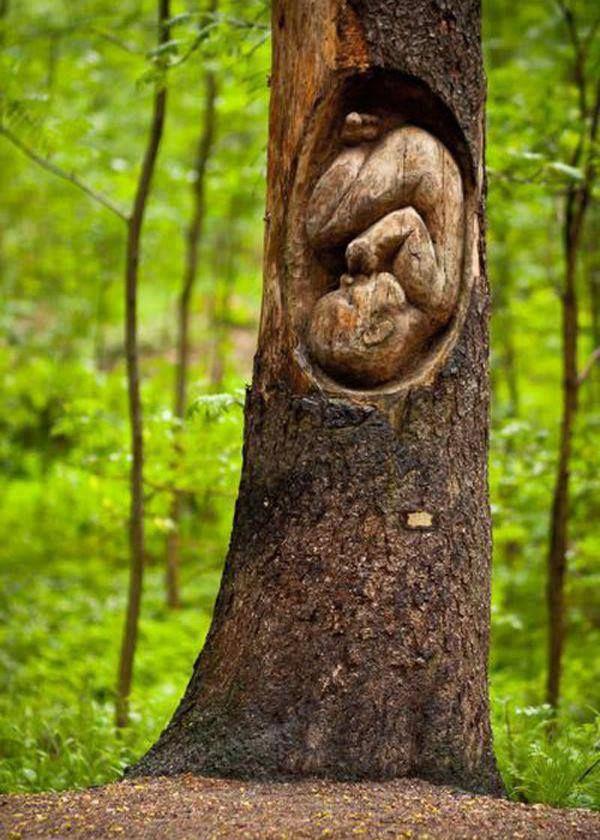 Tree sculpture in Keskuspuisto (central park), Helsinki