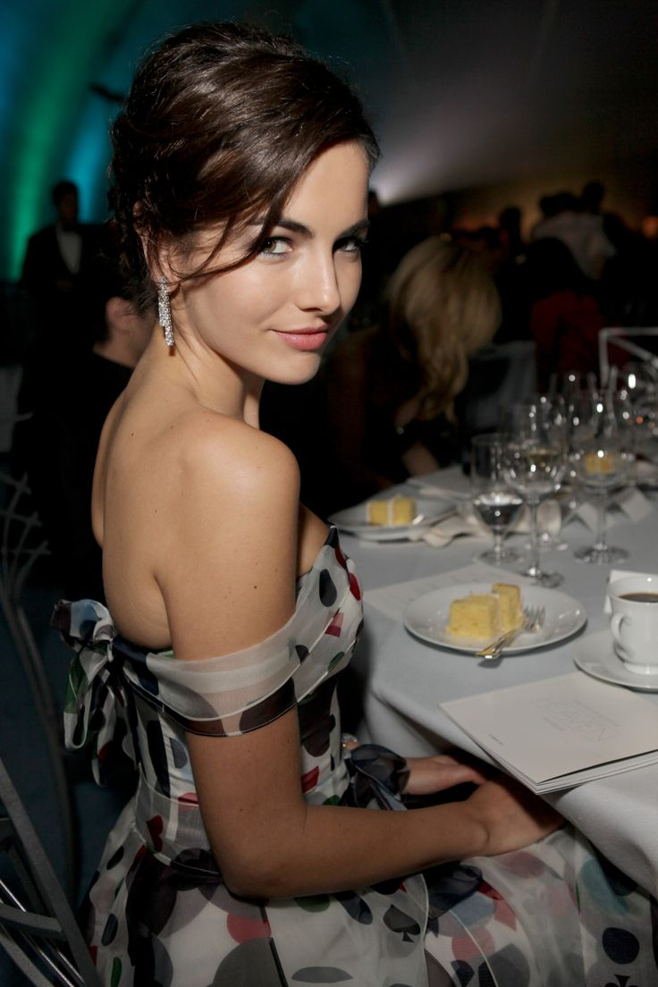 "Camilla Belle rockin' the ""come hither"" eyes. #~swoon~"