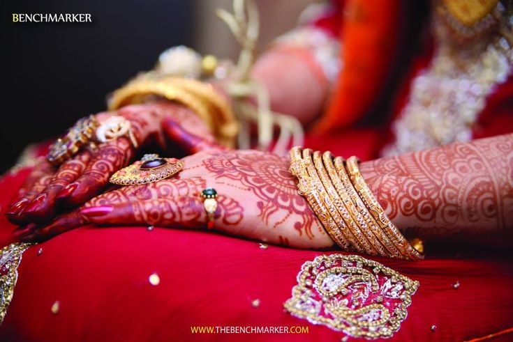 Benchmarker is one of leading wedding photography studio providing creative wedding photography services in Karachi, Pakistan Established in 2010 In a short time a lot of improvement and advancement have been achieved with the help of technological information of photography and lightings techniques.
