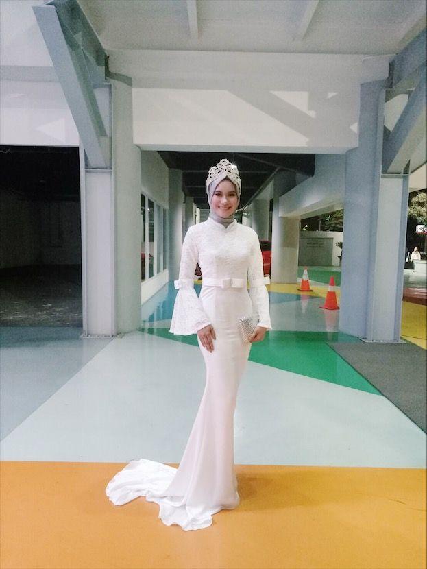 Kebaya lace white