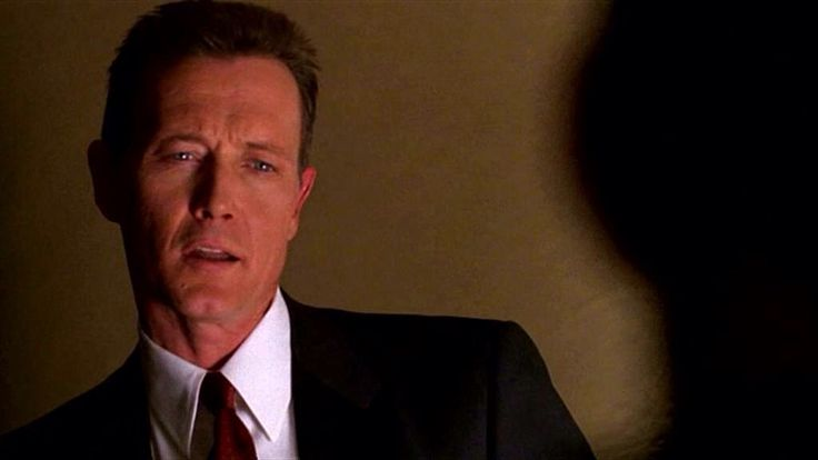 Agent John Doggett. Did John Doggett replace Fox Mulder because does anybody know where Mulder is