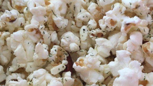 Ranch Style Popcorn Seasoning|DIY Popcorn Seasoning | 5 Popcorn seasoning Recipes by DIY Ready at http://diyready.com/homemade-popcorn-seasoning-5-popcorn-seasoning-recipes/