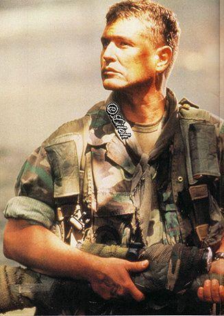 Tom Berenger Sniper