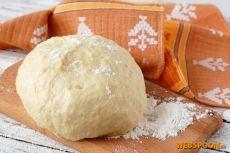 Швейцарское постное песочное тесто с фото | Рецепт швейрарского теста | Постное песочное тесто  Постное песочное тесто  Постные блюда — это не значит «невкусные» блюда. Предлагаю приготовить постное песочное тесто. Такое тесто подходит для приготовления как сладких, так и несладких пирогов. Из него выходит вкусное печенье.   Особенностью приготовления этого теста является то, что надо использовать очень холодную, даже ледяную воду. Благодаря этому вода взбивается с подсолн...