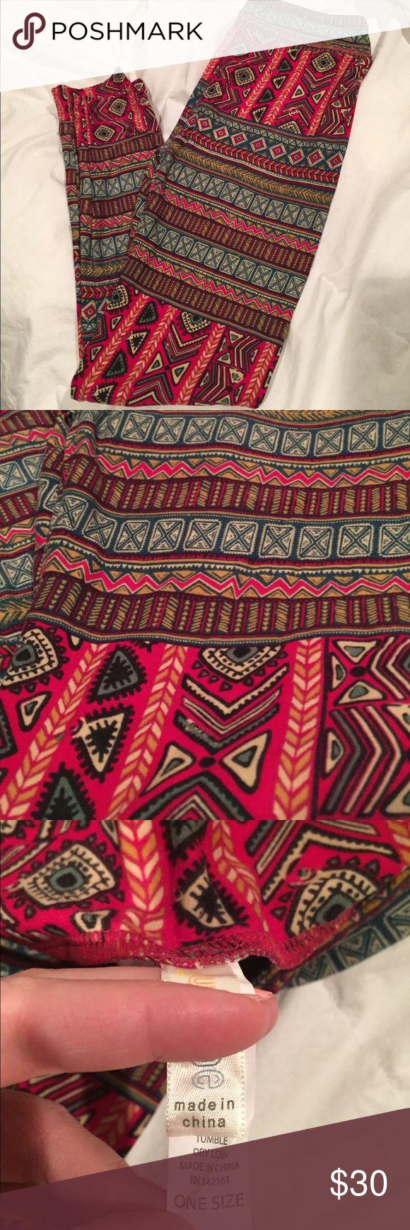 NWOT LuLaRoe OS Aztec Print Legging New worn tags. Never worn. Originally paid $25 plus shipping. LuLaRoe Pants Leggings