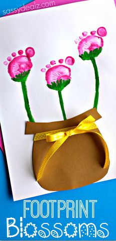 Flower Pot Art project using Kid's Footprints - Great Mother's Day Card Idea! #Spring craft | CraftyMorning.com