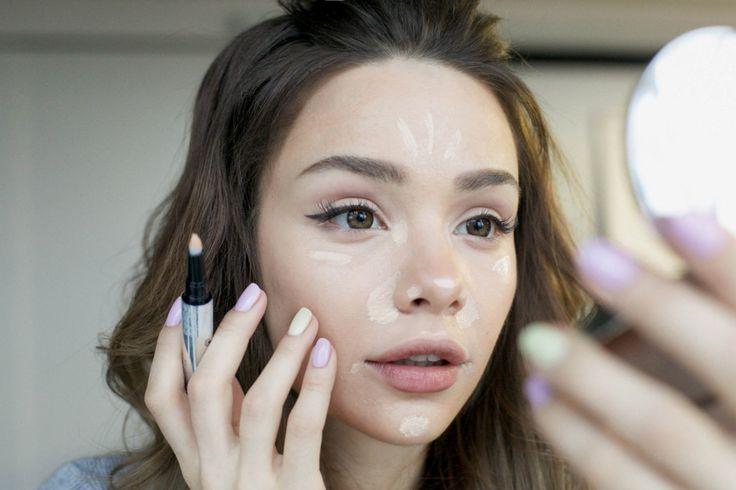Специально для читателей «Леди Mail.Ru» бьюти-блогер Мария Вэй рассказывает и показывает на собственном примере, как скорректировать овал лица и оттенок кожи с помощью макияжа.