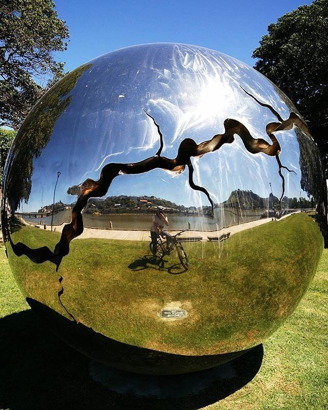'Bearing' which is located on our beautiful riverfront makes for some truly unique images - have a play around next time you are enjoying our mighty awa  #visitwhanganui Pic Credit: @bollbass  http://ift.tt/2963kW8 . . . . #whanganui #newzealand #wanganui #northisland #westcoast #travelnz #visitnewzealand #newzealandbeauty #whanganuiriver #nzmustdo #kiwi_photos #kiwipics #travelgram #lonelyplanet #nz #mustdonz #travel #igtravel #instatravel #river #sculpture