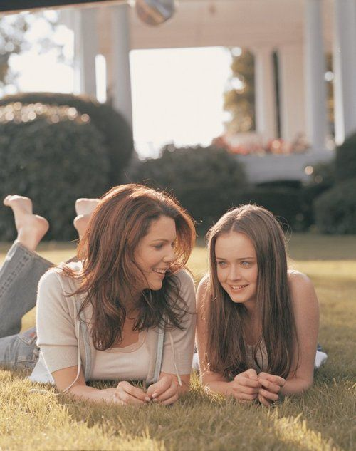 GILMORE GIRLS!!!!! Who didn't want a mom like Lorelai?
