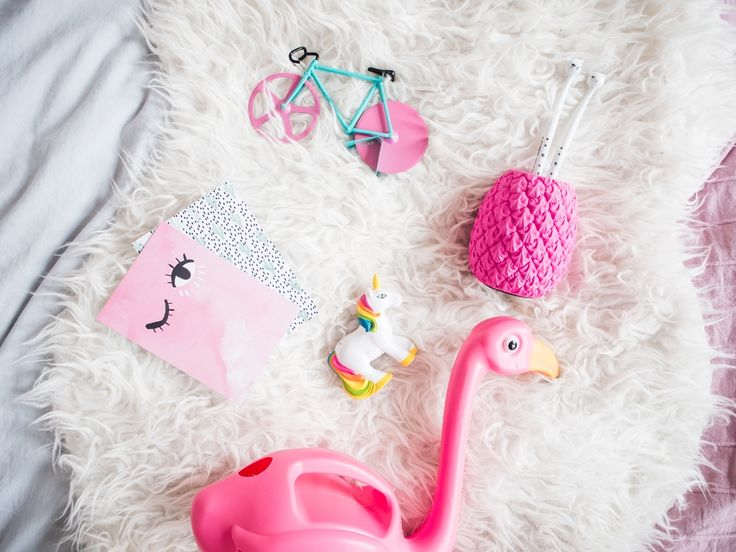 Roze cadeau ideetjes #pink #flamingo #pineapple #bike #unicorn #pen #roze #ananas #fiets# eenhoorn