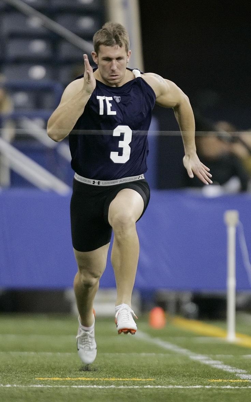 TE Owen Daniels | Sports jersey, Athlete, Owen
