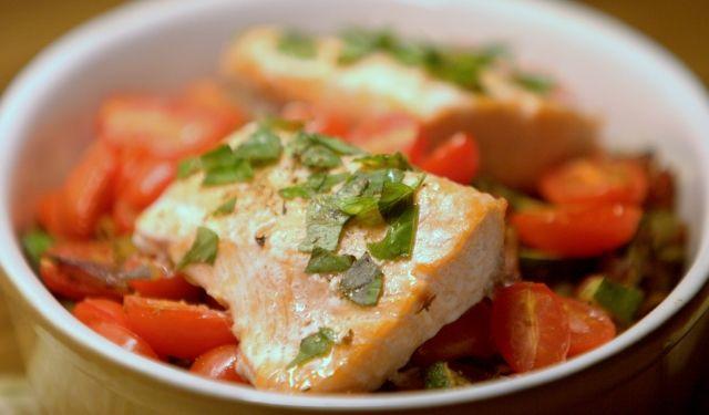 zalm met courgette en kerstomaatjes in de oven (salmon - zucchini - cherry tomatoes)