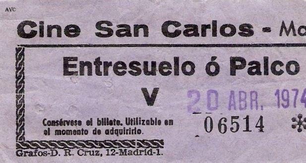 """ENTRADA AL CINE """"SAN CARLOS"""" EN LA CALLE DE ATOCHA - 1974"""