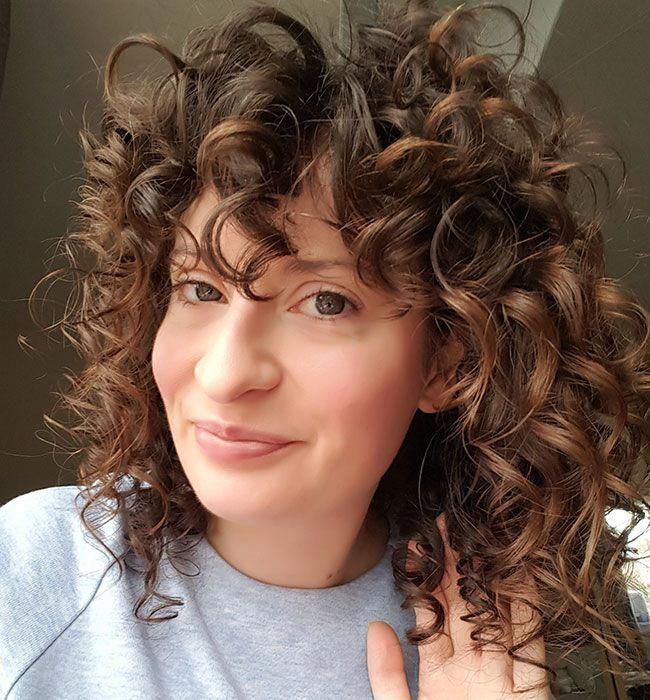 Elaine 2c Curly 650x700 Shorthaircurly Curly Hair Styles Wavy