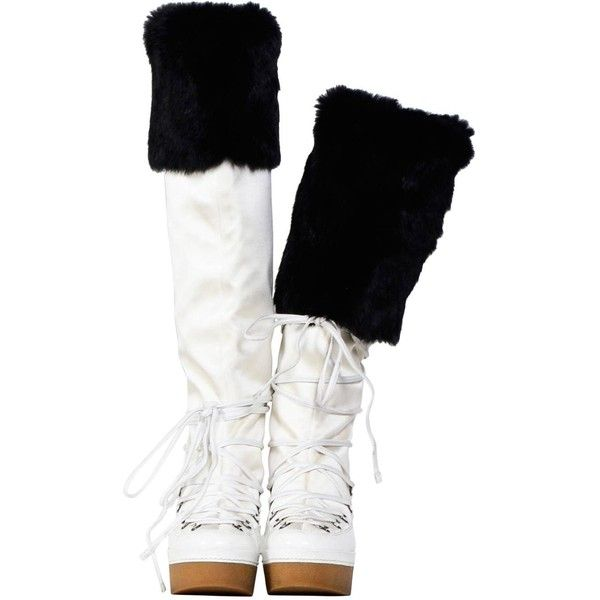 Preowned Givenchy White & Black Snow-Boots (79.850 RUB) ❤ liked on Polyvore featuring shoes, boots, white, givenchy boots, white black shoes, pre owned shoes, givenchy shoes and givenchy