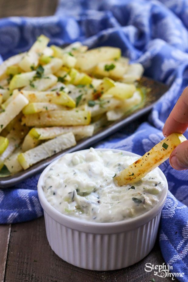 Baked Kohlrabi Fries with traditional Greek Tzatziki l Steph in Thyme #glutenfree #vegetarian