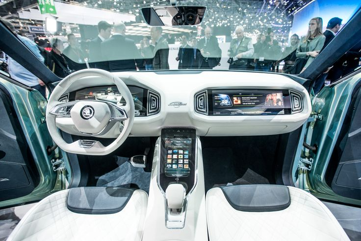 The ambient lighting in the interior provides effective highlights; there's a choice of ten different colours #VisionS #Geneva2016