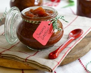 Spiced mango and plum chutney recipe - if I'd got my act together this year, I'd have made loads of stuff like this *sigh*    Next year!