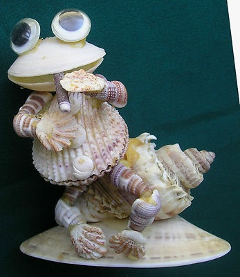 Vintage SEA SHELL FROG Smoking CIGAR ~ Seashell Art Figurine