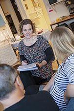 Skolverkets sida om språkutvecklande arbetssätt i alla ämnen innehåller flera bra checklistor, planeringsstöd och matriser.