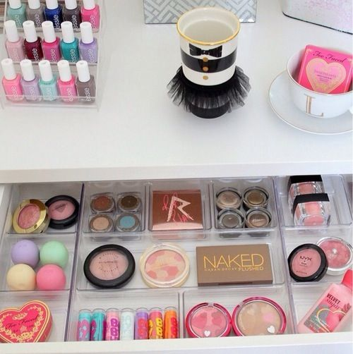 24+ Cool Ideas How To Store Cosmetics, Makeup and Stuff