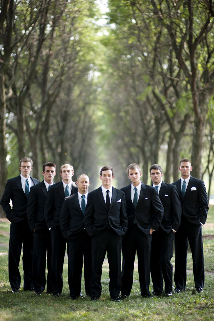 Best 25+ Groomsmen poses ideas - 130.2KB