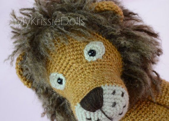 This is a crochet pattern (PDF file) NOT a finished doll you see on the photos! This pattern is available in Dutch and English (German coming soon)    Let me introduce to you: Lisa and Leo Lion!!    Thank you for coming by!    Kristel Droog  kristeldroog@gmail.com
