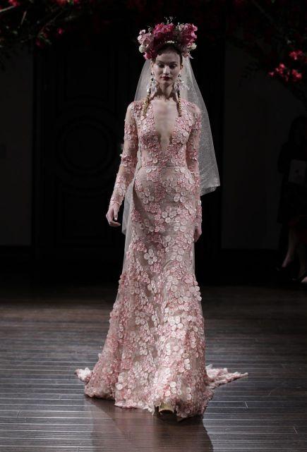NAEEM KHAN legújabb esküvői ruhái - Ceremóniamester ajánlja / - Szablya Ákos Ceremóniamester -