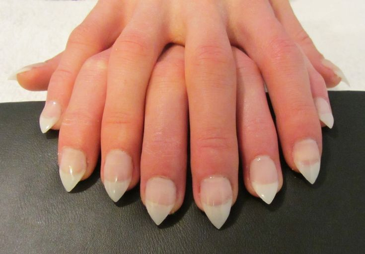 100+ Pointed French Tip Nails – yasminroohi