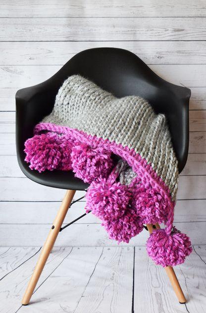2017001 Mega Knit Throw Blanket