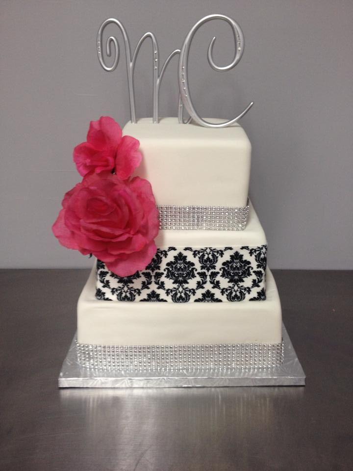Gâteau moderne, damask, ruban diamant et rose fushia