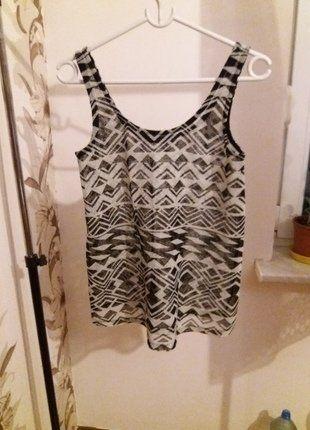 Kup mój przedmiot na #vintedpl http://www.vinted.pl/damska-odziez/koszulki-na-ramiaczkach-koszulki-bez-rekawow/16077934-czarno-biala-koszulka-we-wzorki