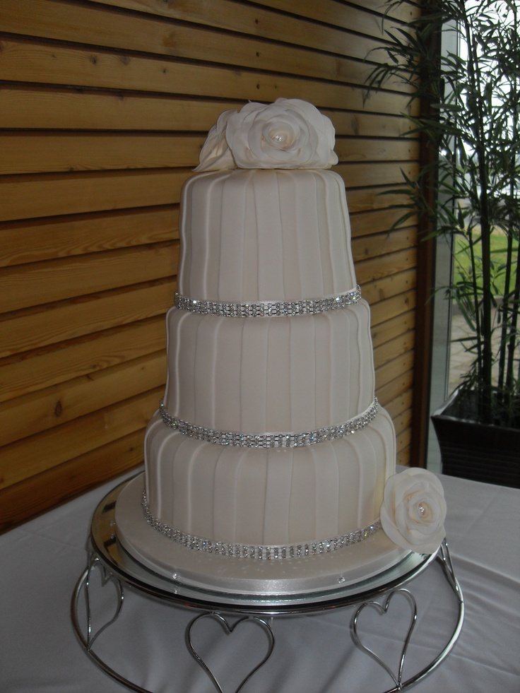 Wedding cake to remember for your special day. By Cakes'n'Stuff