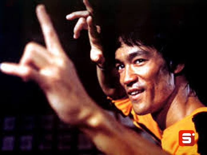 """Your weekly dose of inspiration: """"I fear not the man who has practised 10,000 kicks once but I fear the man who has practised one kick 10,000 times."""" -Bruce Lee #Sportido #brucelee #martialarts #whatinspiresus"""