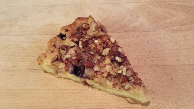 HAVEHJERNEN  Tærte med æble, blåbær og nødder