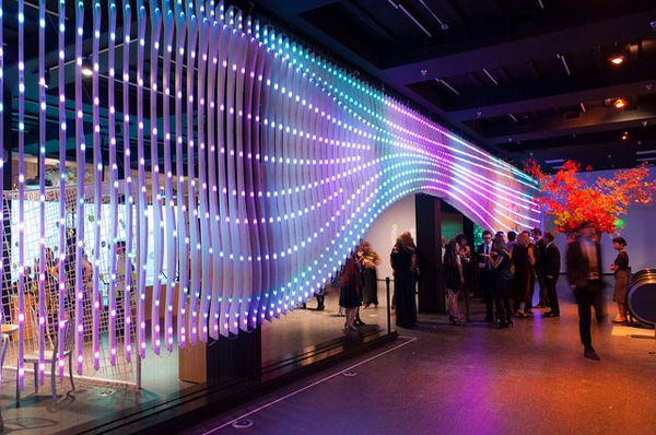 Dynamic LED wall to communicate the global ecological information