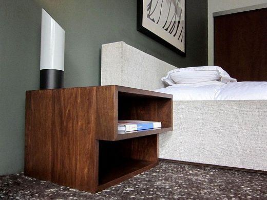 Первая необходимость для Вашей спальни – прикроватная тумбочка