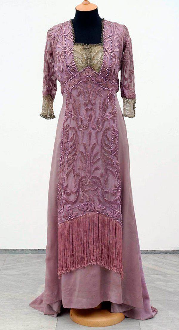 Engagement dress, Redfern, Paris, 1909. Silk, pearls, metal thread, lace. Museum of Applied Art, Belgrade