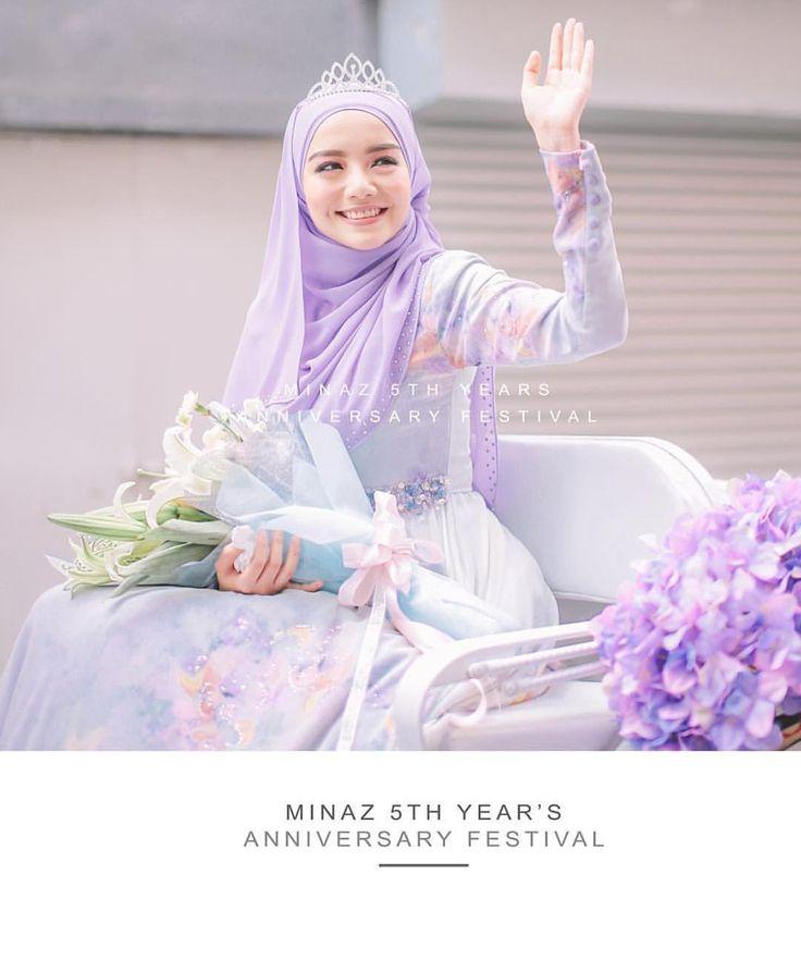 My sister princess @mfmirafilzah . Always be our princess. Love you! . Ai is tengok live update sj dr rumah. Photo by my sister @hanajenna by pijaminaz