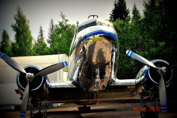 Douglas DC-3   OH-LCD