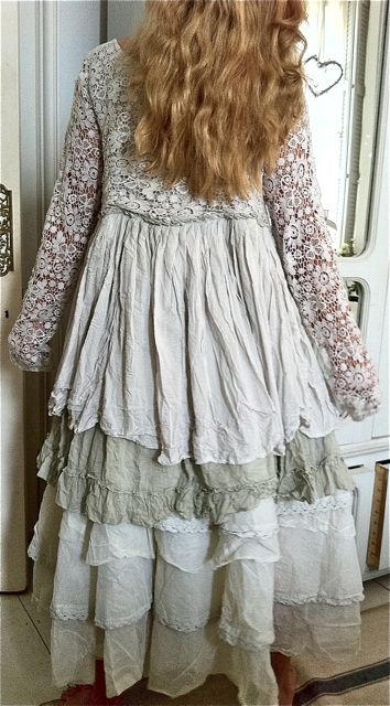 Great up cycled dress or coat. No instructions, image only at:http://missingsisterstill.tumblr.com/post/64905628028