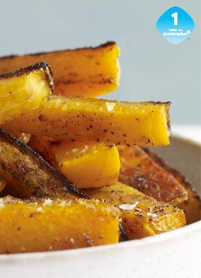 Calabaza de Castilla Frita  Una gran alternativa a las papas super fritas. Estas calabazas fritas son ligeramente dulces, ligeramente sazonadas y horneadas para un rico sabor rostizado.
